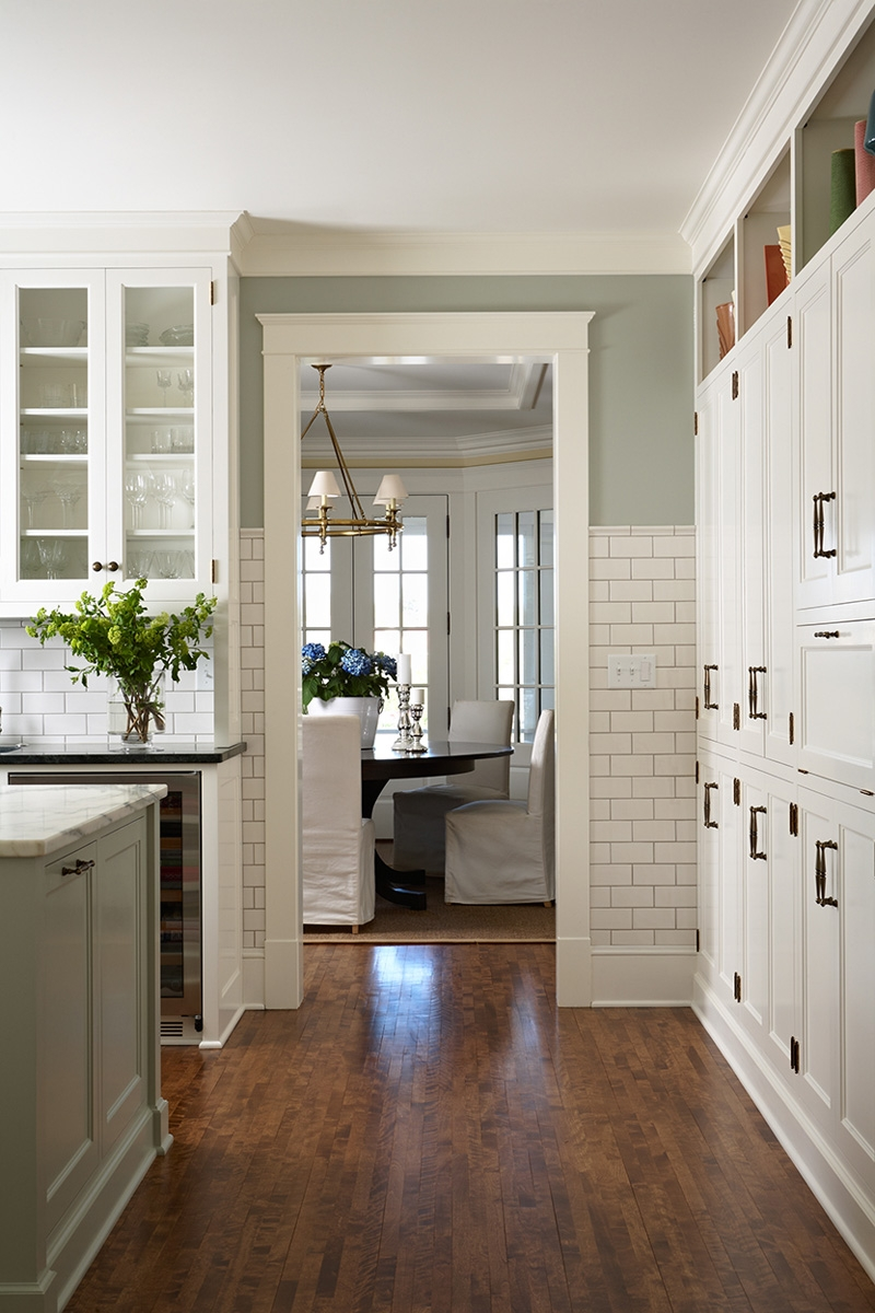 Kitchen Cabinets With Black Hardware