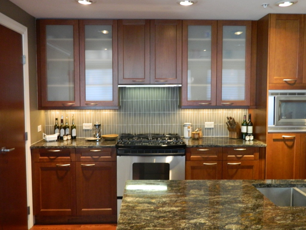Kitchen Cabinets With Glass Doors And Lights