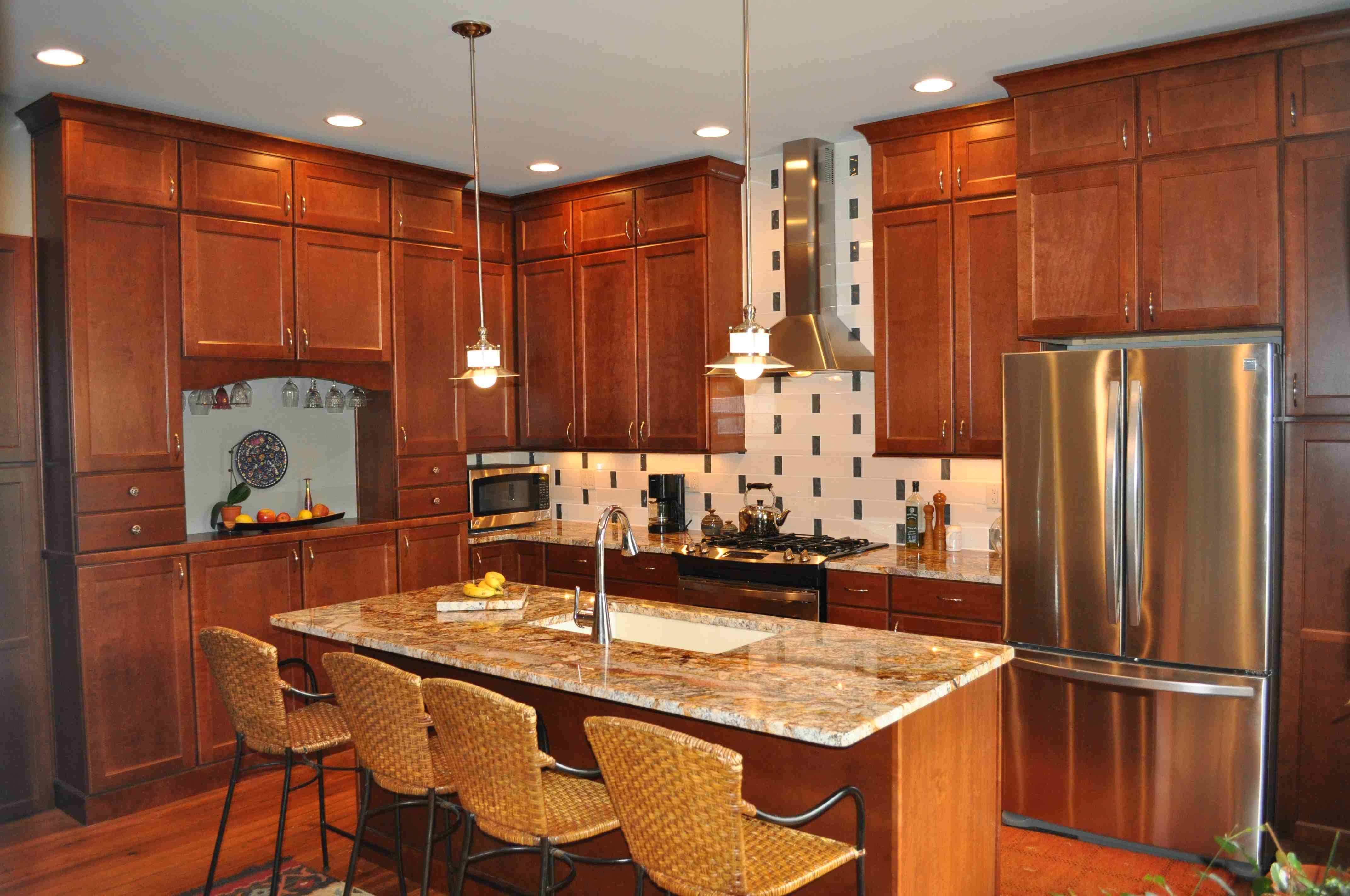 Light Cherry Kitchen Cabinets And Granite