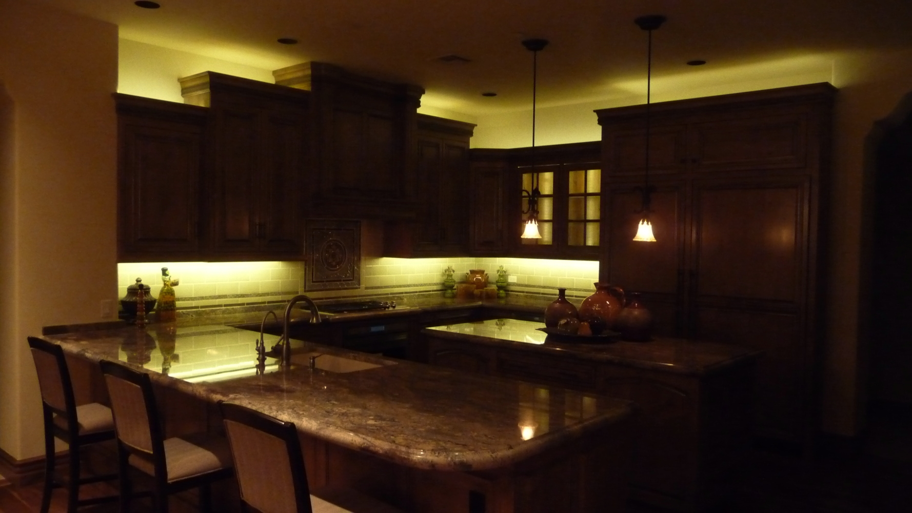 Lights For Above Kitchen Cabinets