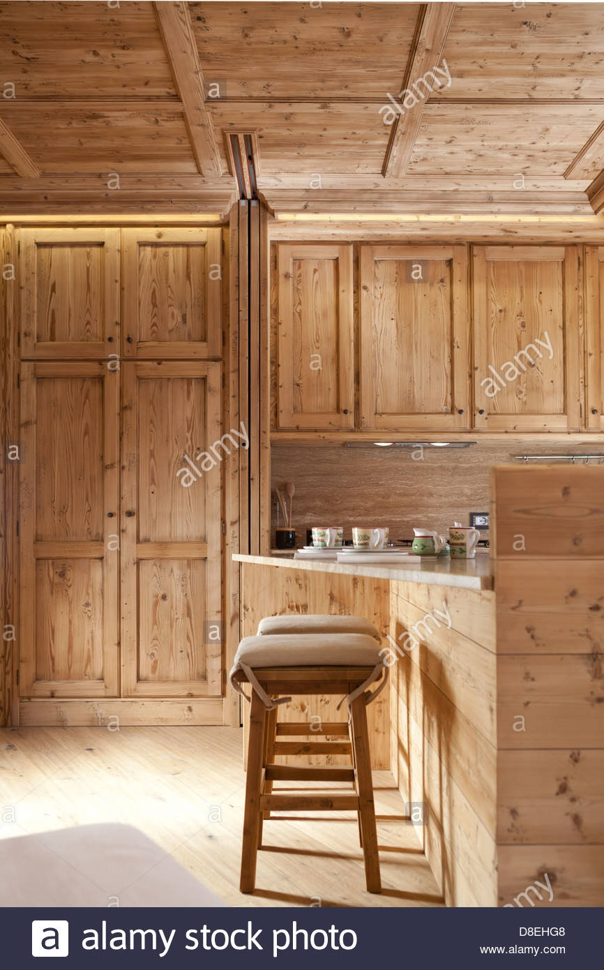 Natural Wood Finish Kitchen Cabinets
