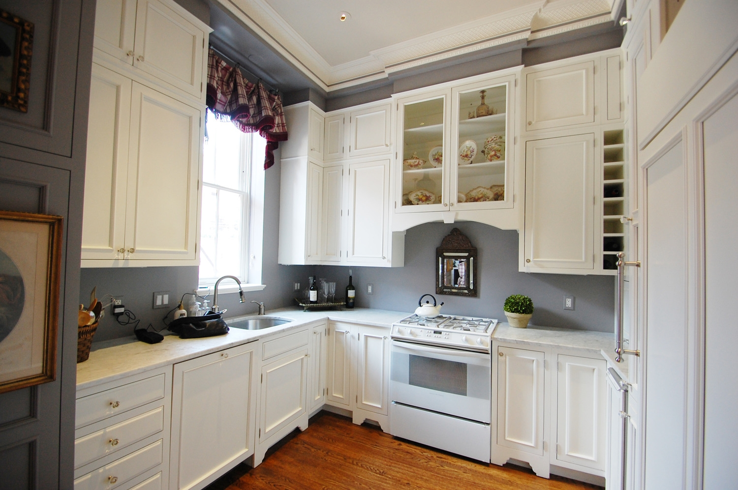 Popular White Color For Kitchen Cabinets