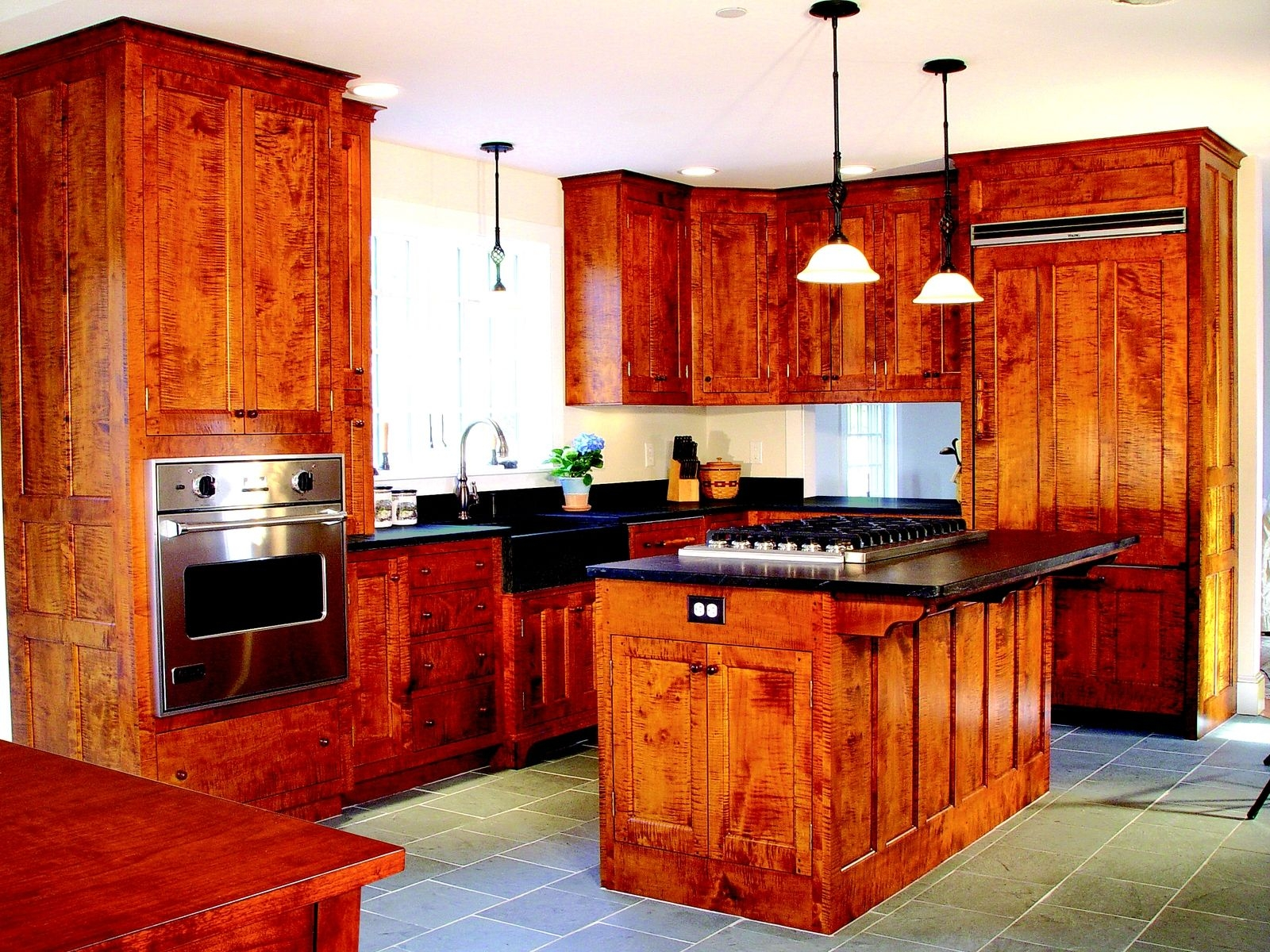 Tiger Maple Wood Kitchen Cabinets