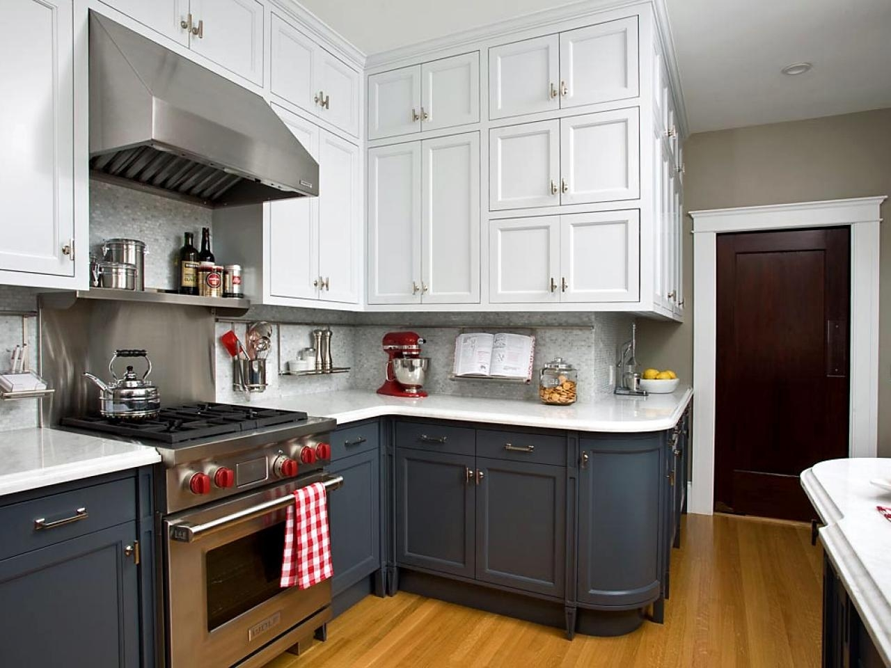 Two Different Colors Of Kitchen Cabinets