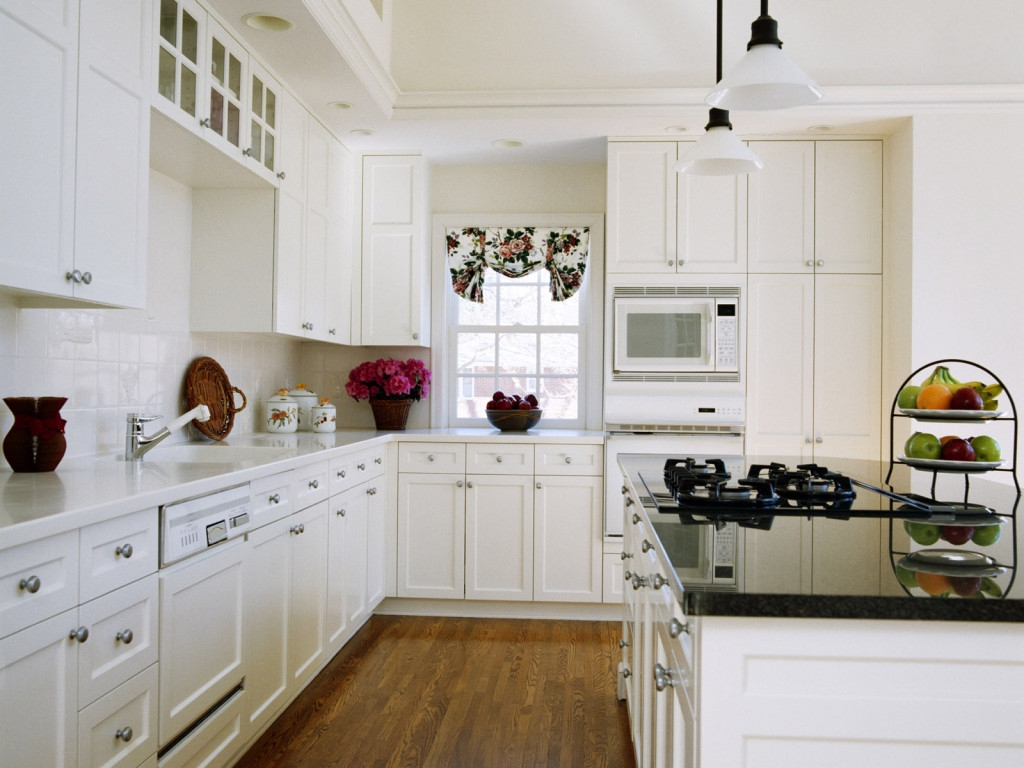 White Kitchen Cabinets Solid Wood