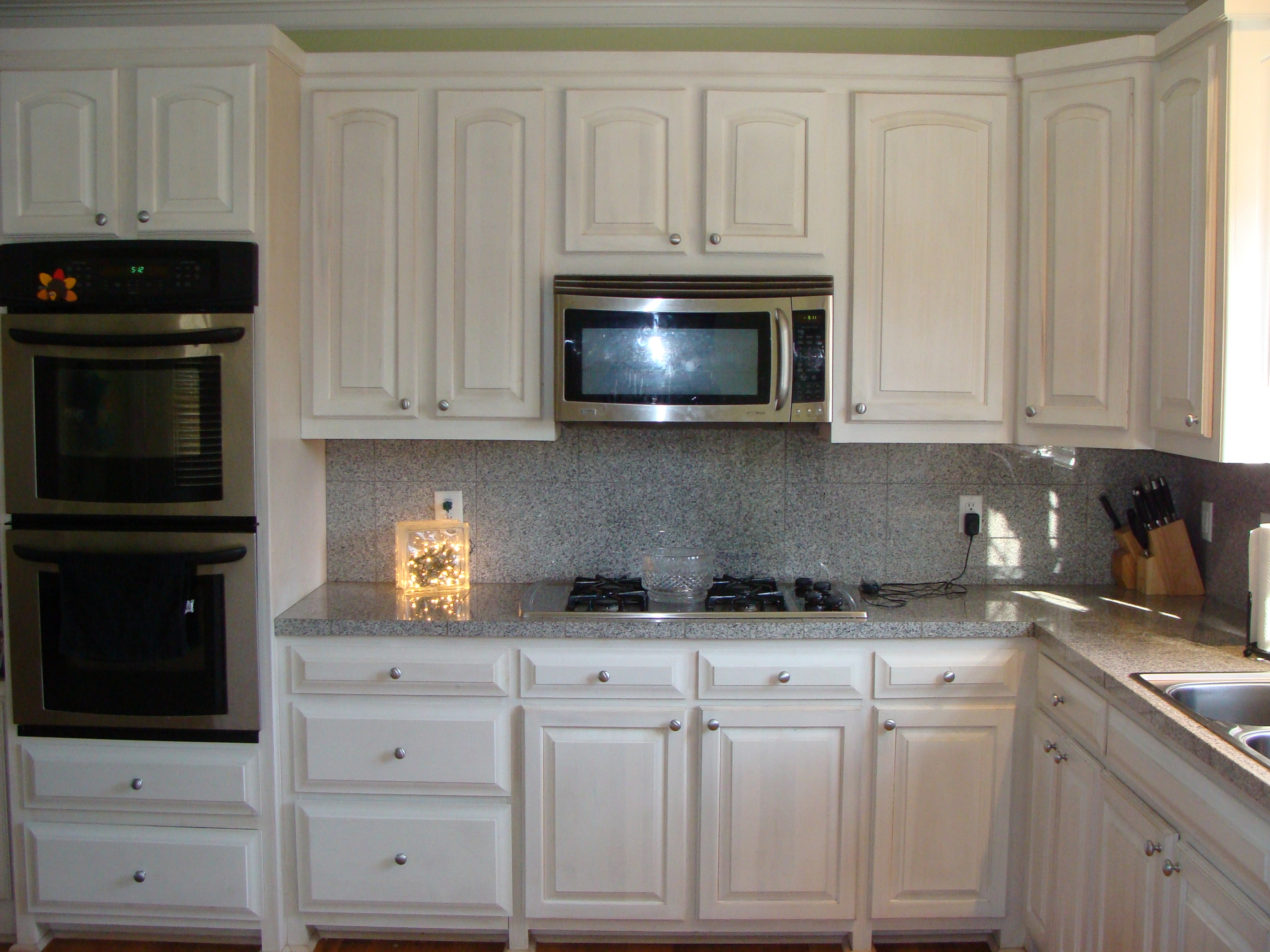 White Washed Maple Kitchen Cabinets