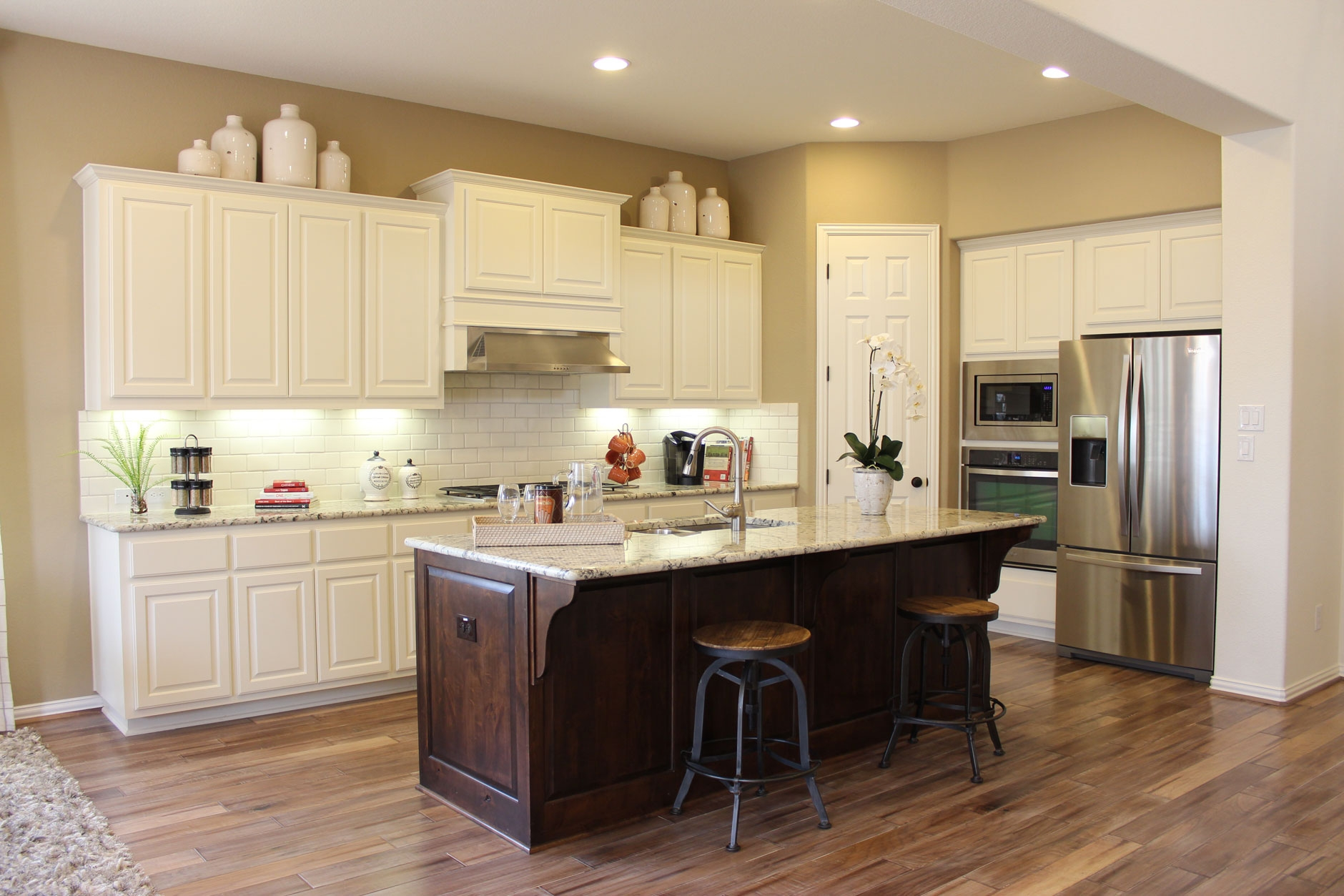 Permalink to Choosing Kitchen Cabinets And Floors