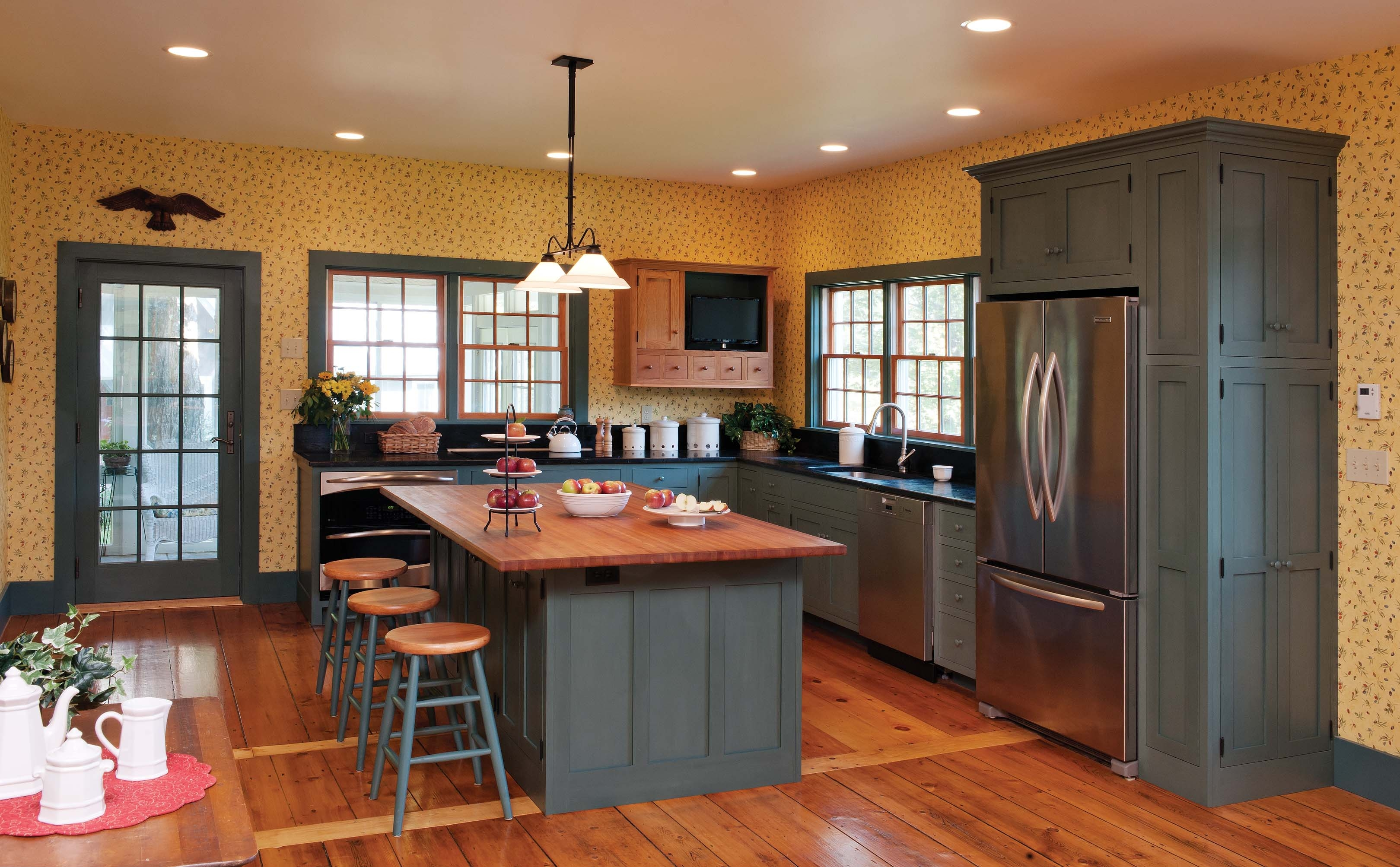 Early American Kitchen Cabinet Colors