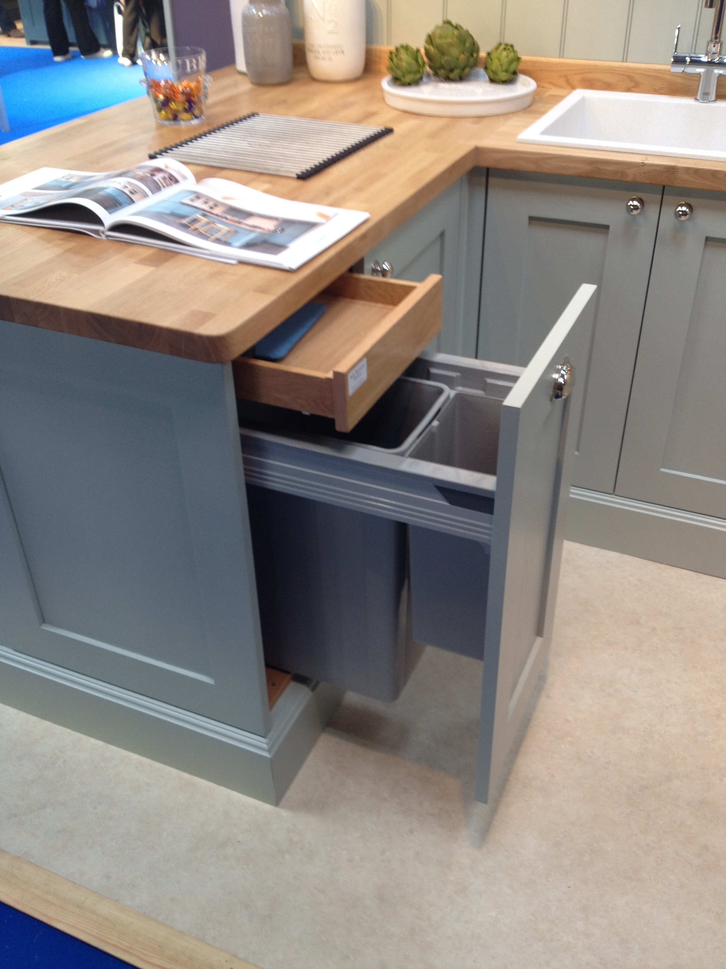 Kitchen Cabinet Pull Out Bins