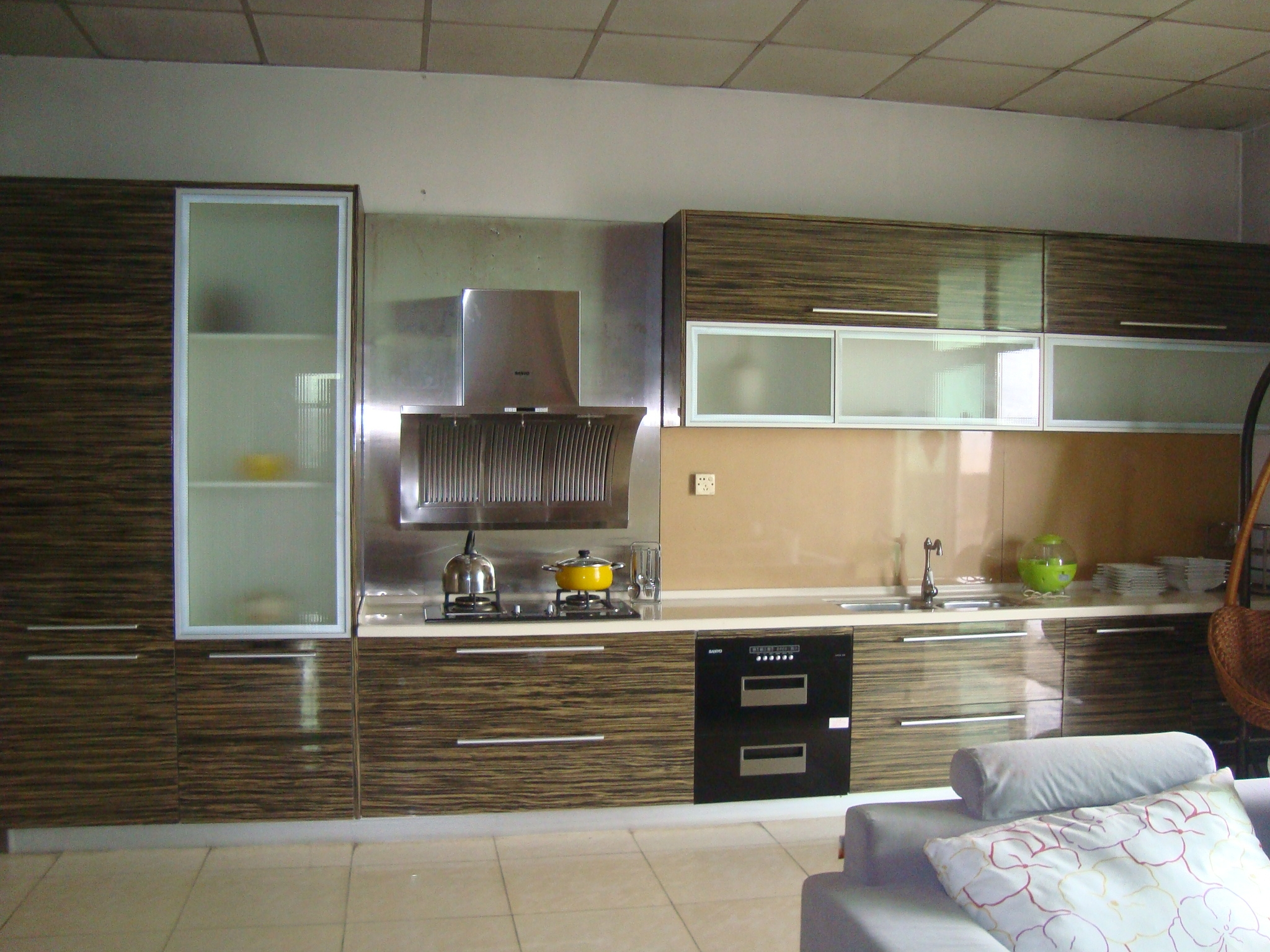 Kitchen Cabinets Laminate Wood