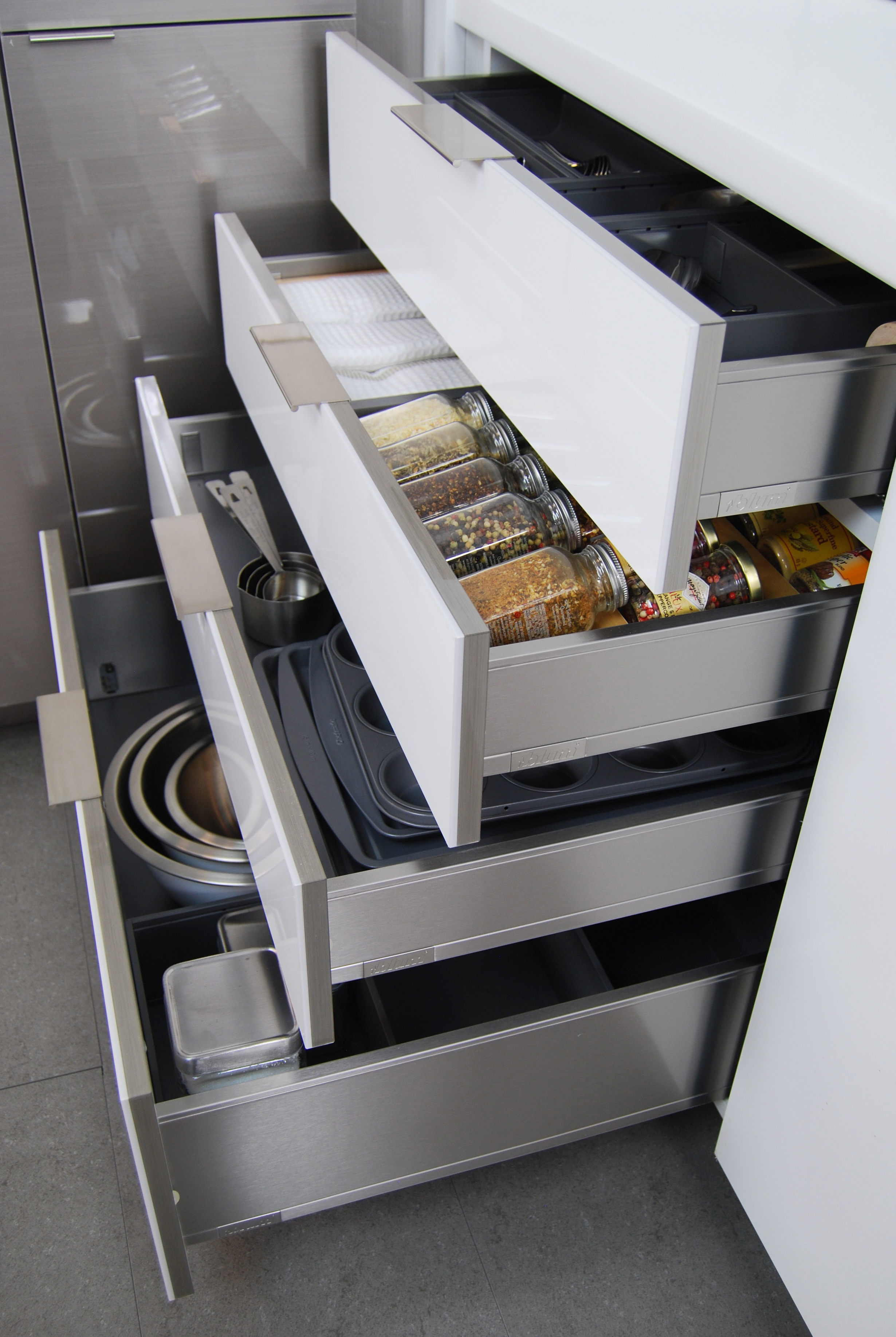 Kitchen Cabinets Metal Drawers