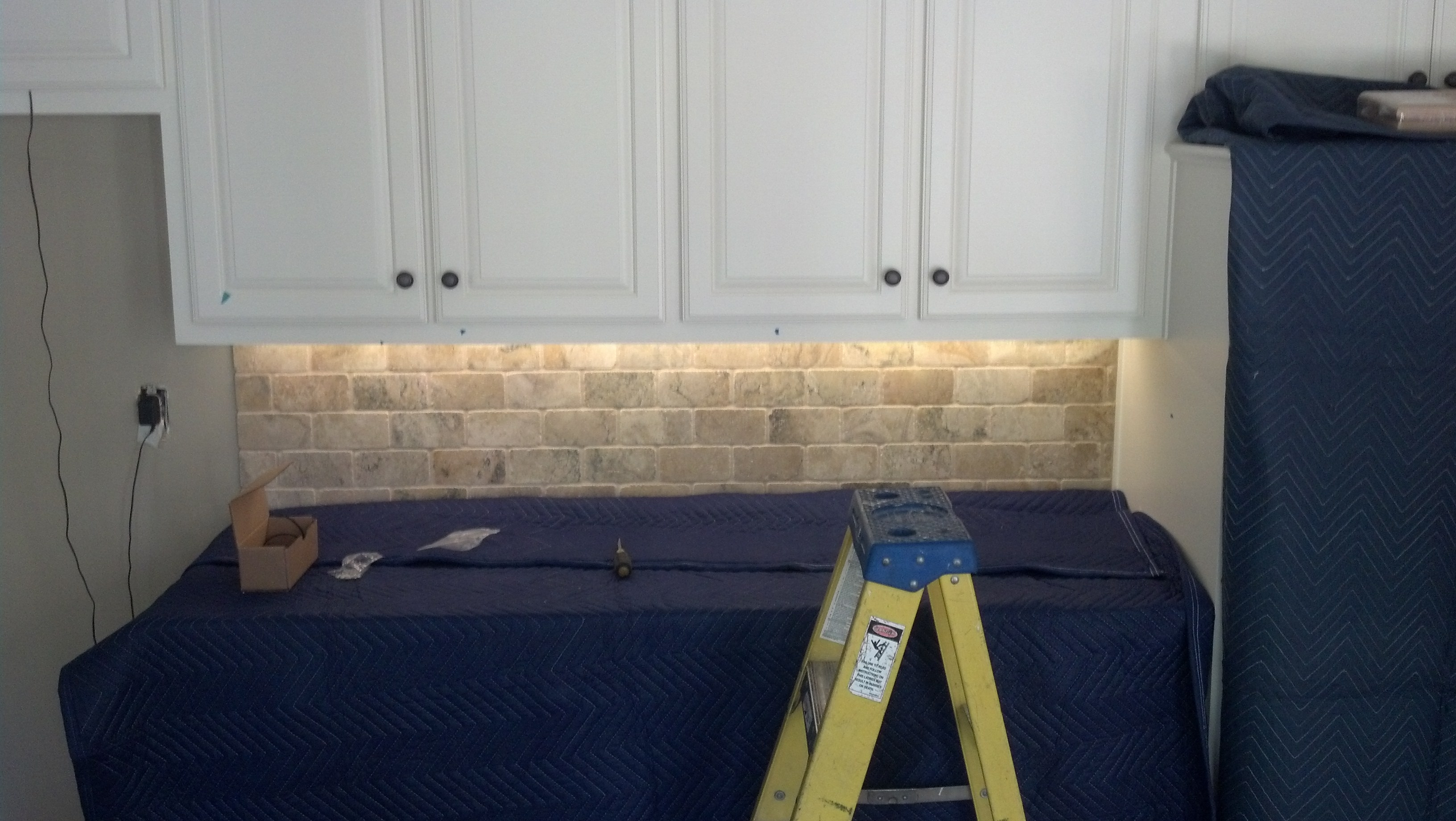 Kitchen Cabinets Rope Lighting