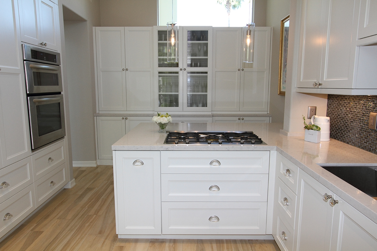 Kitchen Cabinets With Crystal Knobs