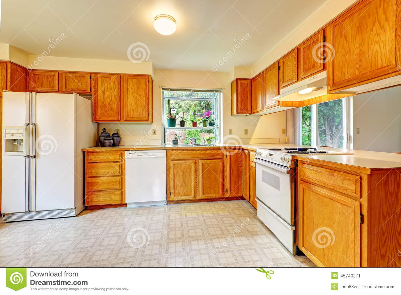Kitchens With Maple Cabinets And White Appliances