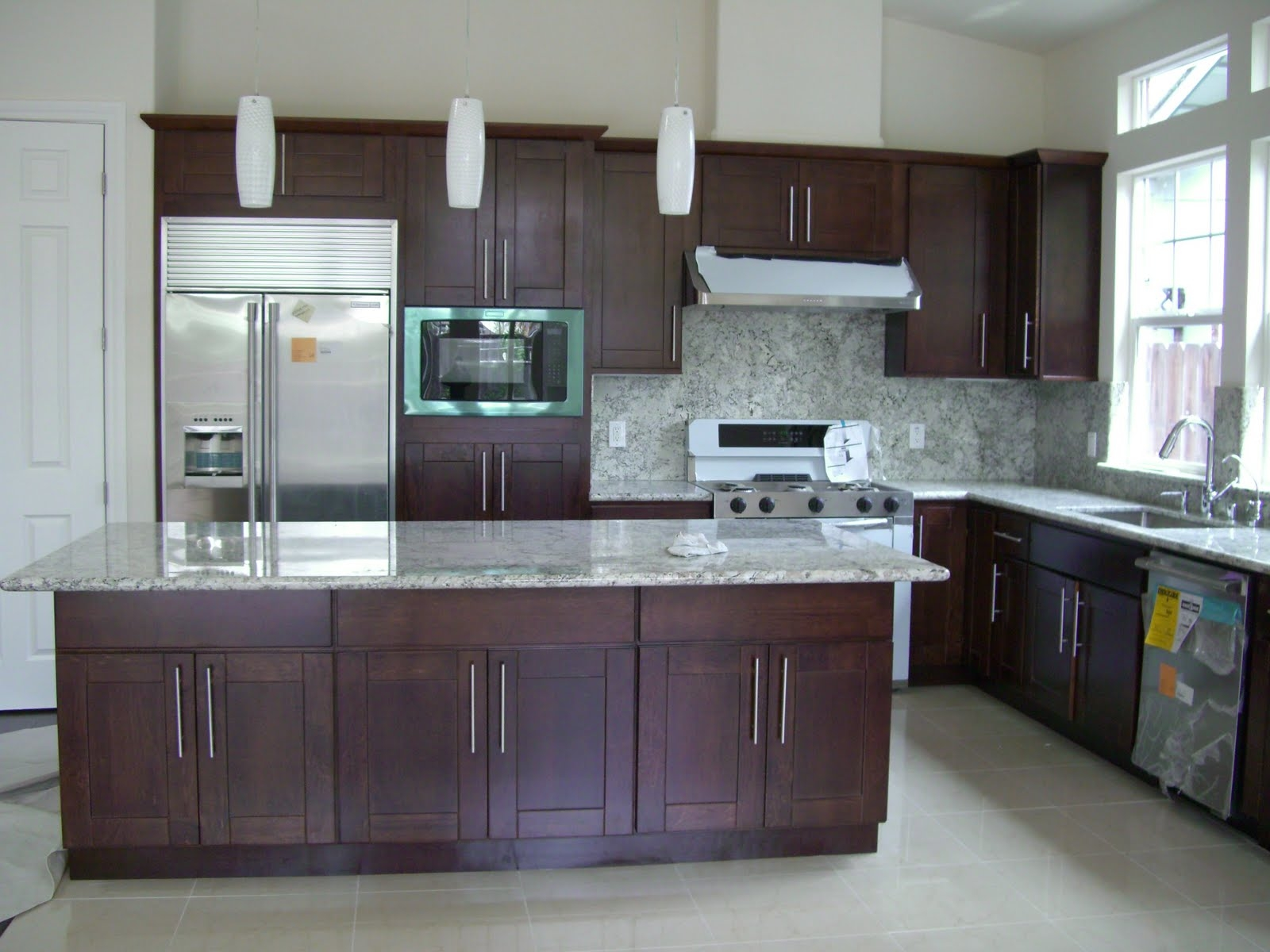 Modern Kitchens With Espresso Cabinets