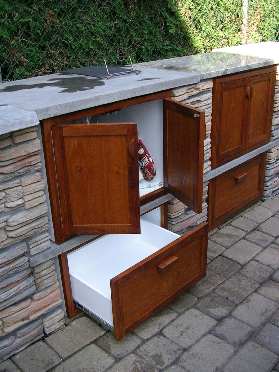 Outdoor Kitchen Cabinets And Drawers