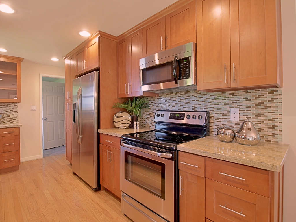 Toffee Colored Kitchen Cabinets