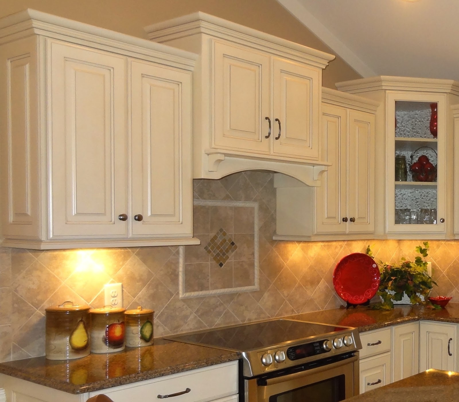 Traditional Kitchen Cabinets Handles