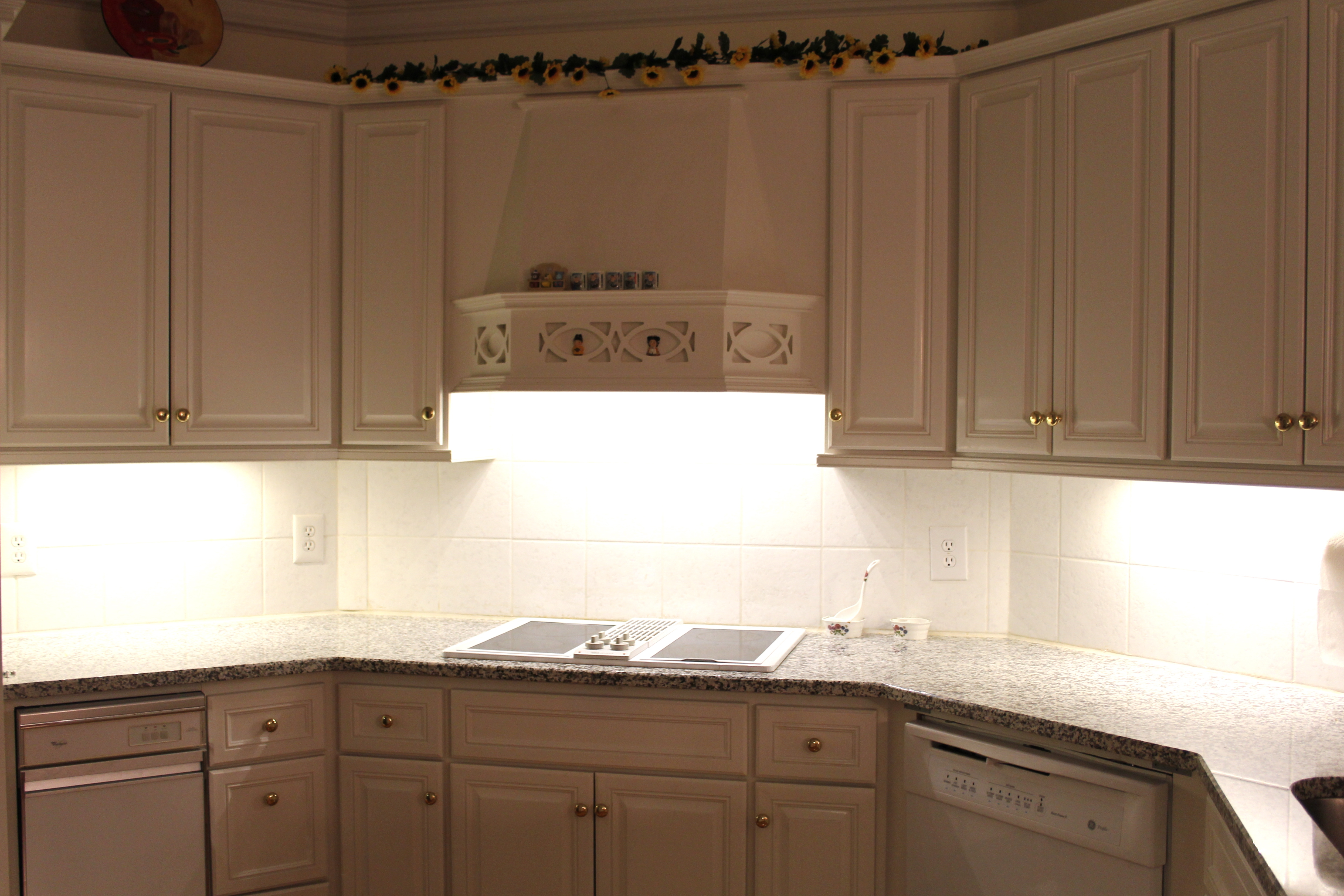 Under Kitchen Cabinet Lighting Covers