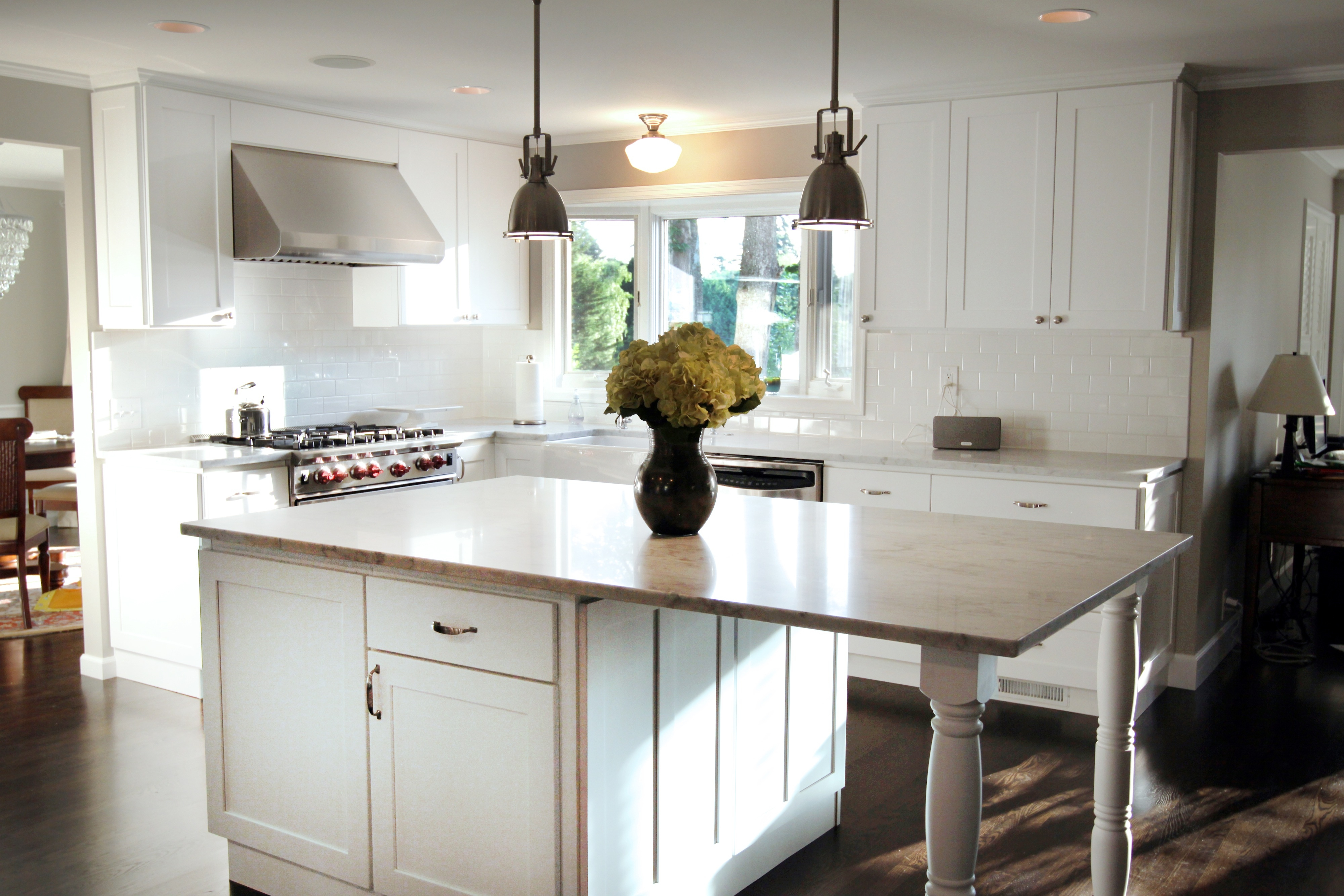 White Kitchen Cabinets With Legs4000 X 2667