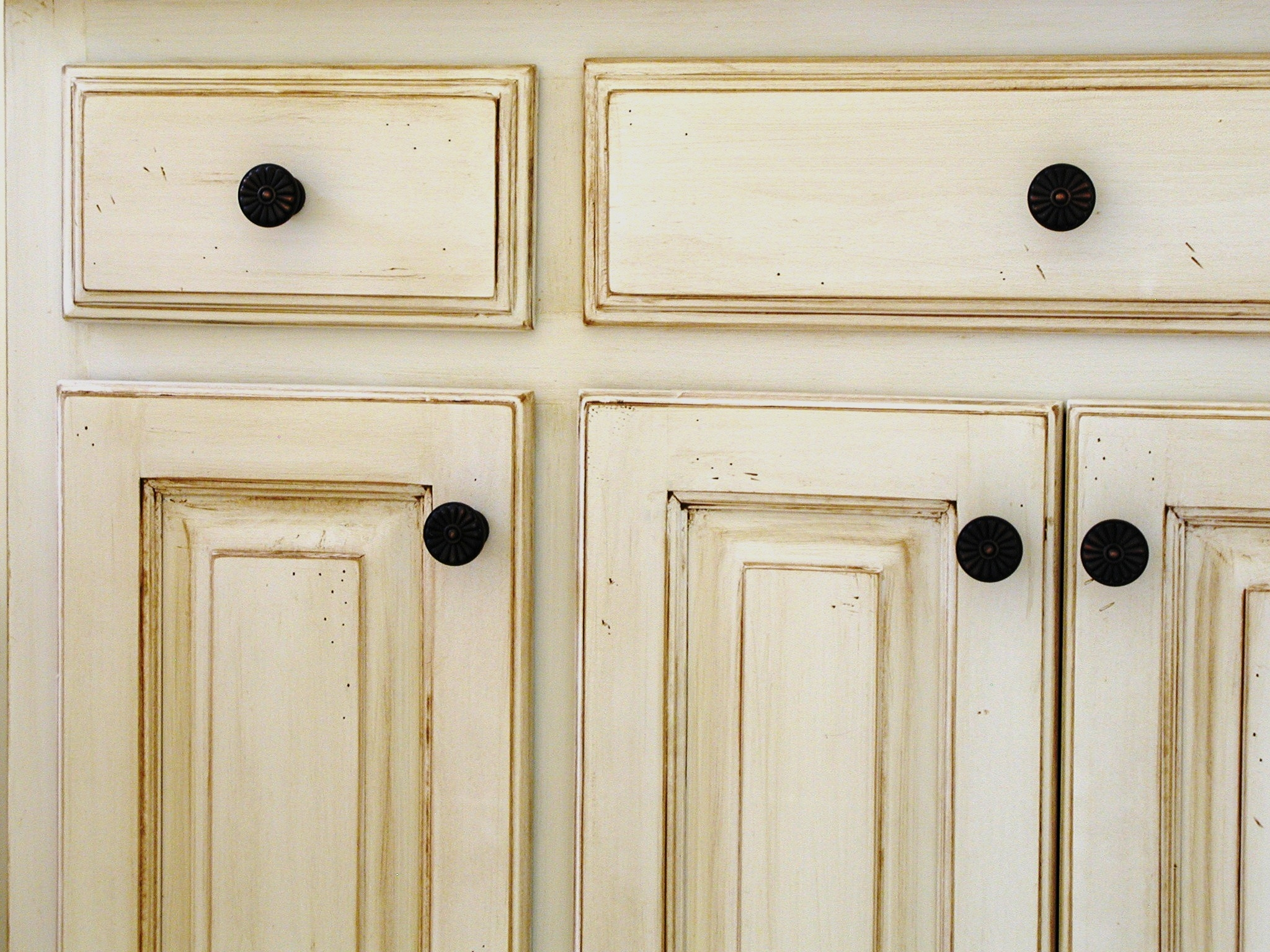 White Stains For Kitchen Cabinets