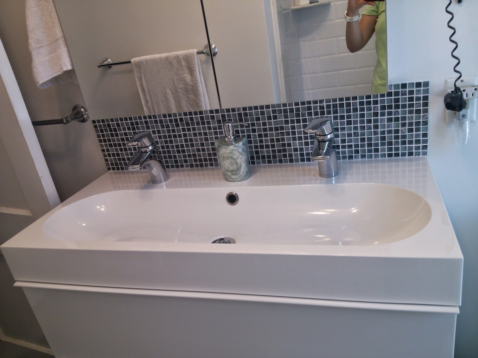 Enjoyable Trough Sink With 2 Faucets Bathroom Download Free Architecture Designs Scobabritishbridgeorg