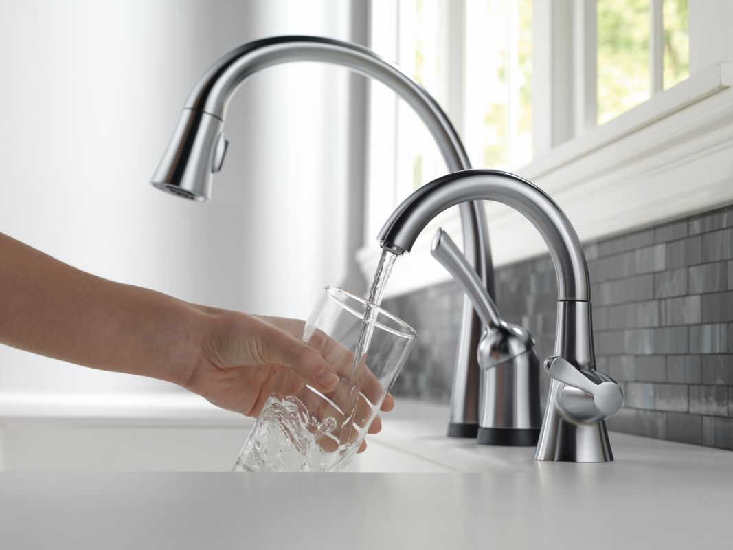 Ideas, faucet 1977 ar dst in arctic stainless delta with sizing 1067 x 800  .