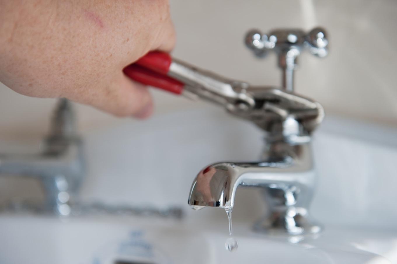 kitchen faucet transparent moen kitchen faucet dripping pertaining to measurements 1360 x 905