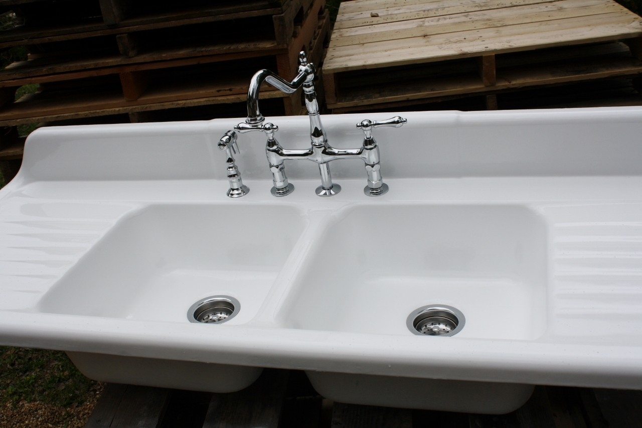 old fashioned kitchen sink faucets old fashioned kitchen sink faucets retro kitchen sink home design ideas 1280 x 853