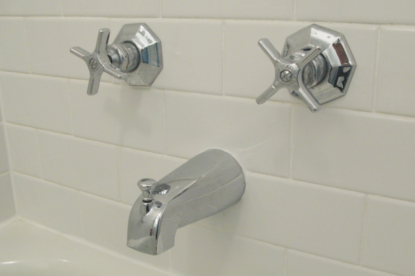 old style bathroom faucets mobroi throughout measurements 1440 x 960