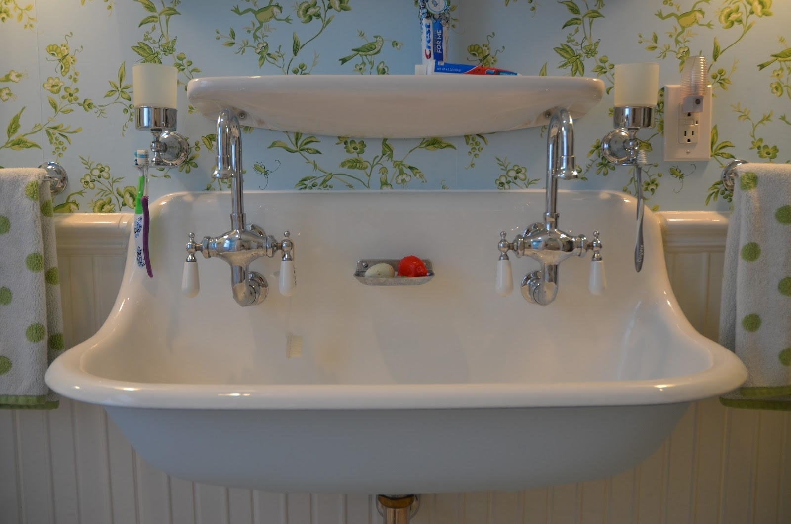 Ideas, vintage bathroom sink faucets sinks and faucets decoration for size 1600 x 1060  .