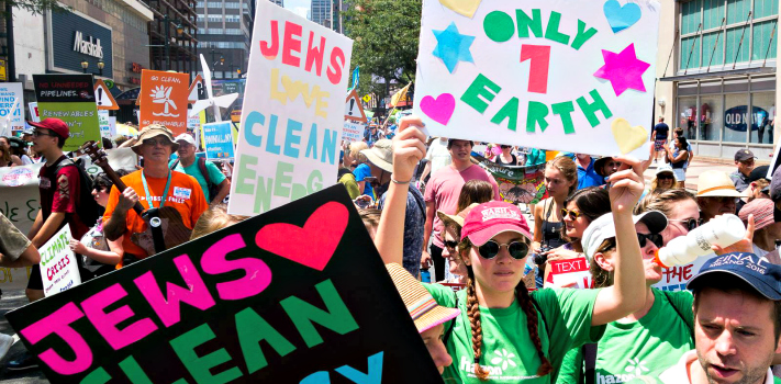 Jews rally to support the Paris Accord