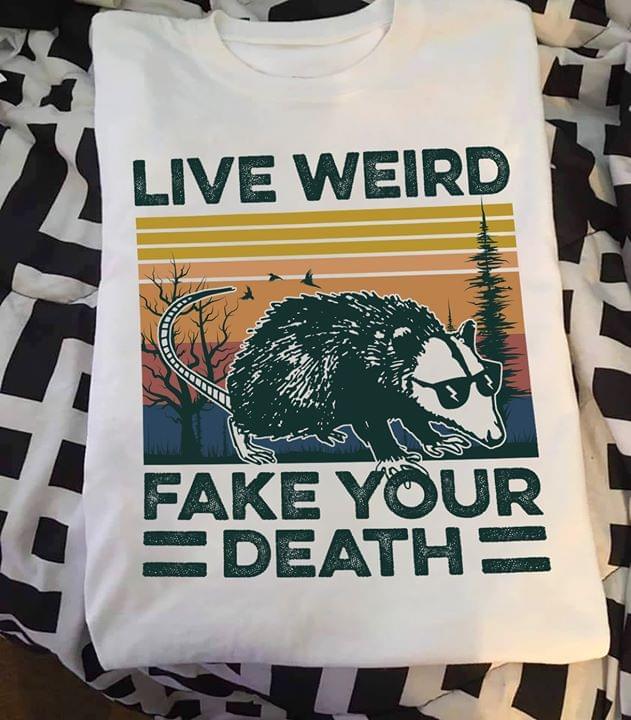 Opossum Lived Weird Fake Your Death Vintage cotton t-shirt Hoodie Mug