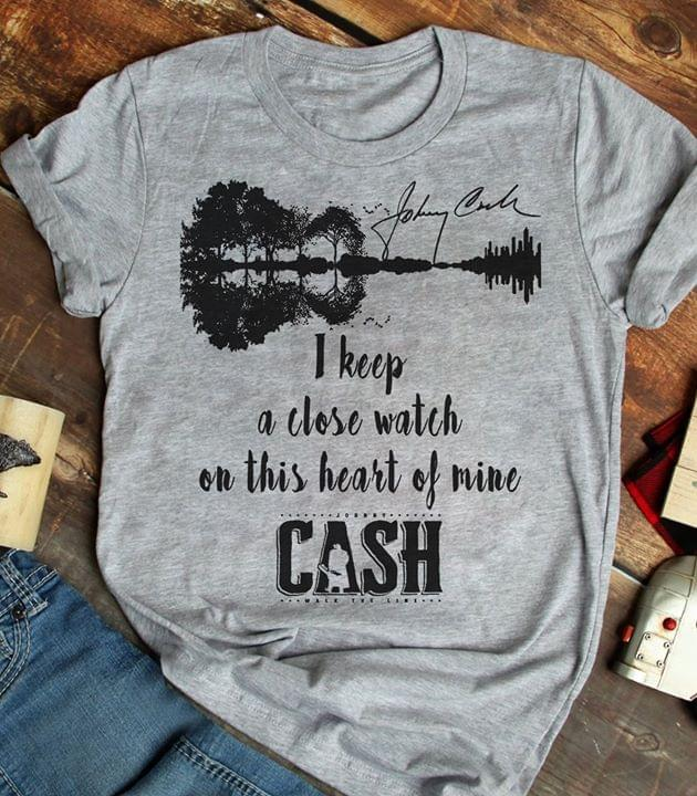 Johnny Cash Quote I Keep A Close Watch On This Heart Of Mine Guitar Shaped Signature For Fan cotton t-shirt Hoodie Mug