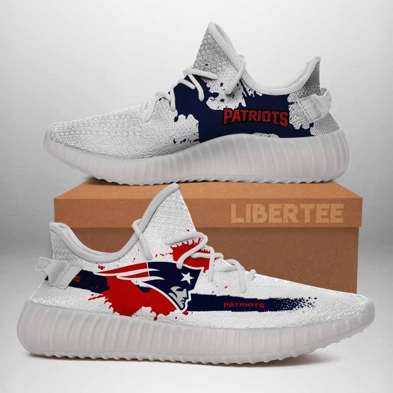 003 New England Patriots Logo Custom Yeezy Running Shoes For Men Woomen Unisex Plus Size White