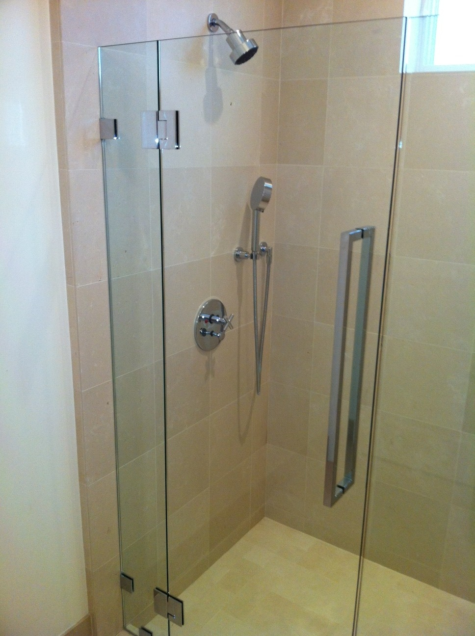 Cr Laurence Shower Door Pull