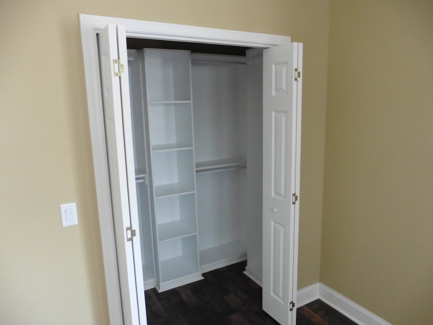 Mobile Home Bifold Closet Doorswinning mobile home bifold closet doors roselawnlutheran