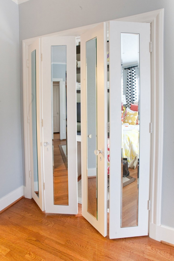 Reliabilt Bifold Mirrored Closet Doors