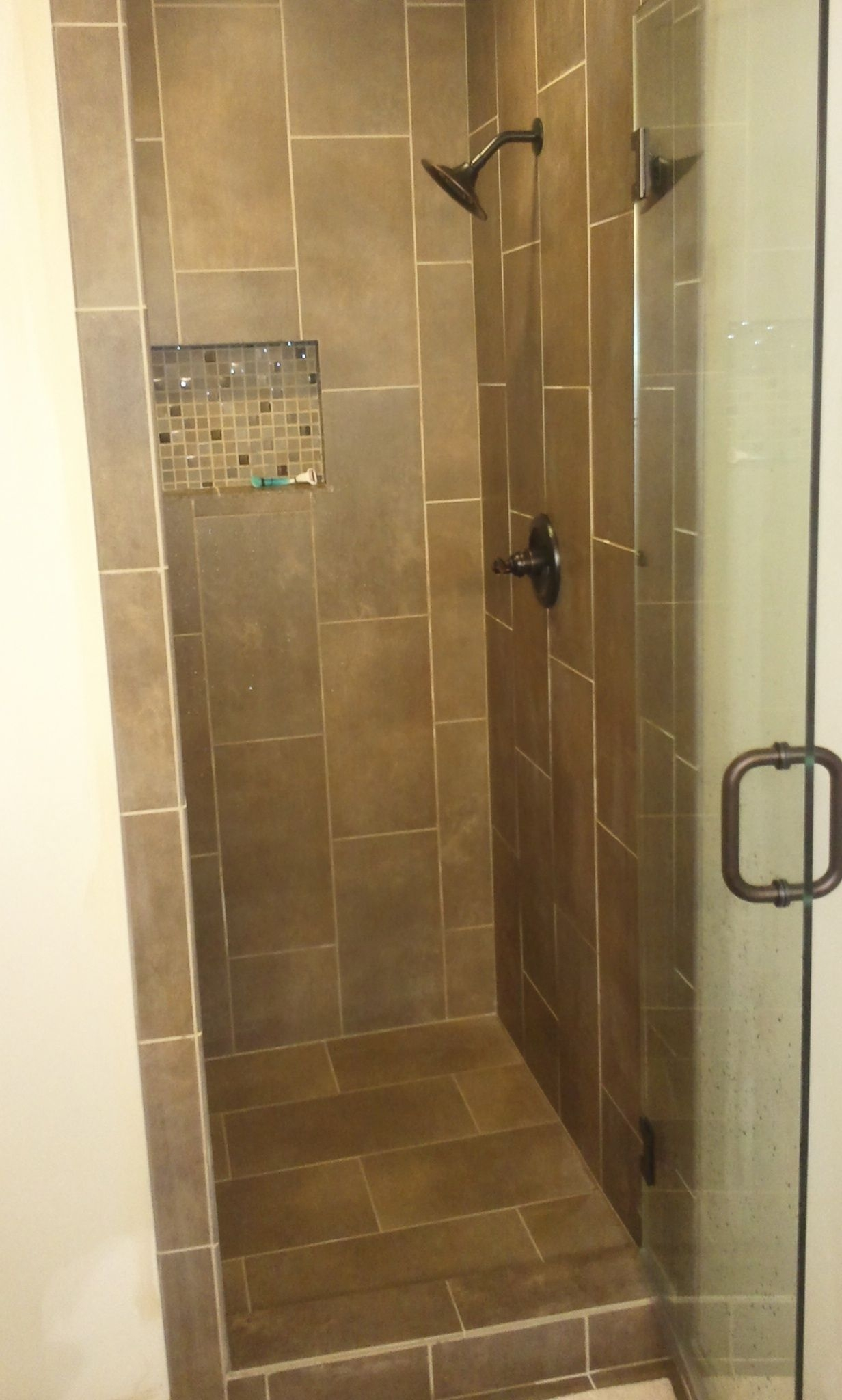 Tile Showers With Glass Doors Ideas