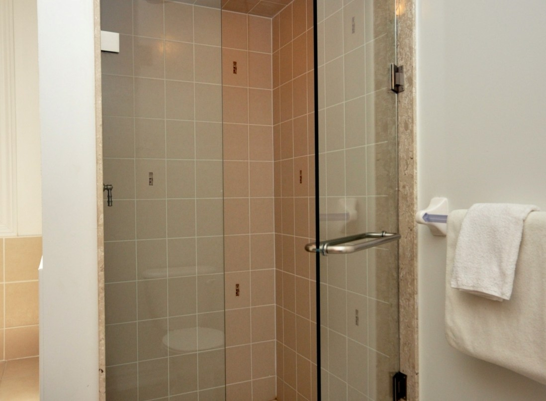 Home Remedies For Soap Scum On Glass Shower Doors