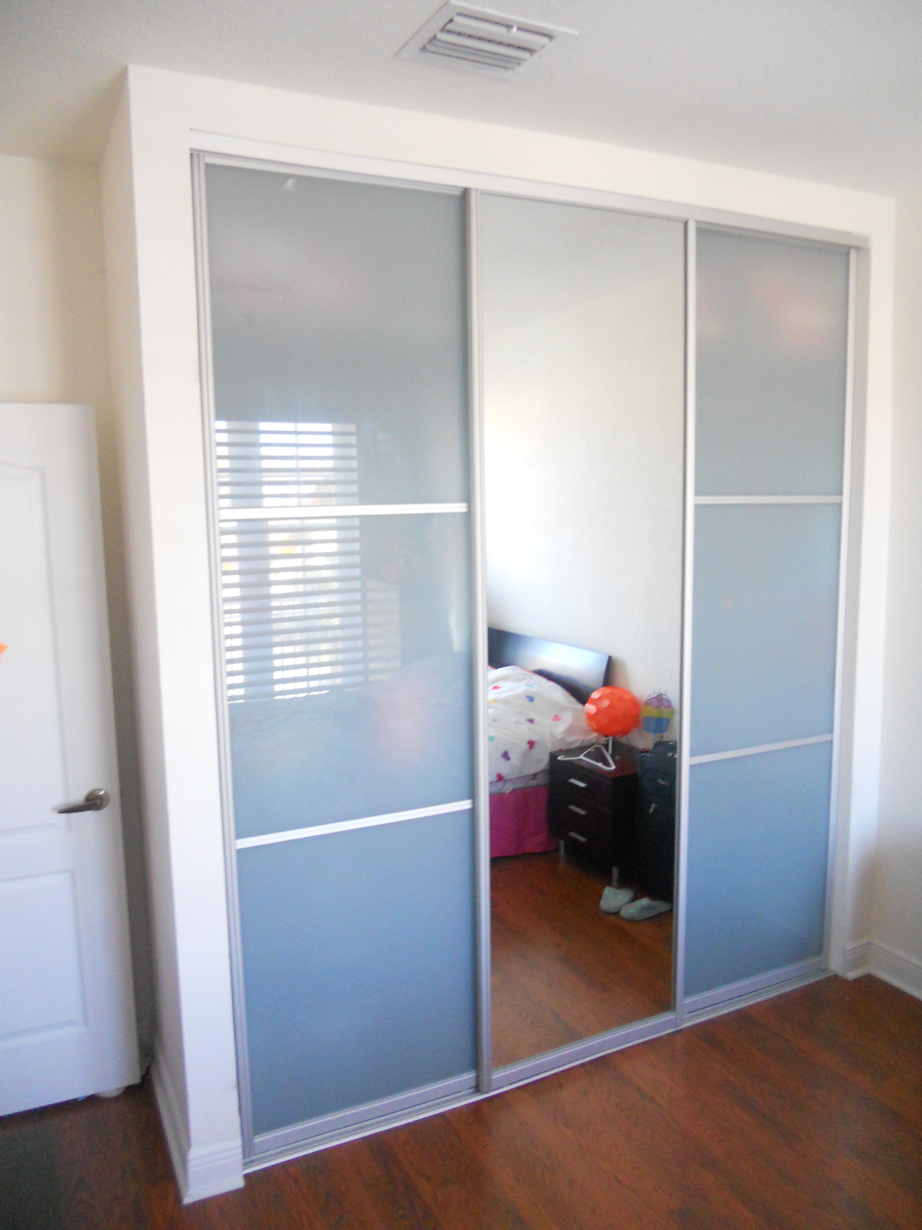 Sliding Closet Doors 3 Panels3000 X 4000
