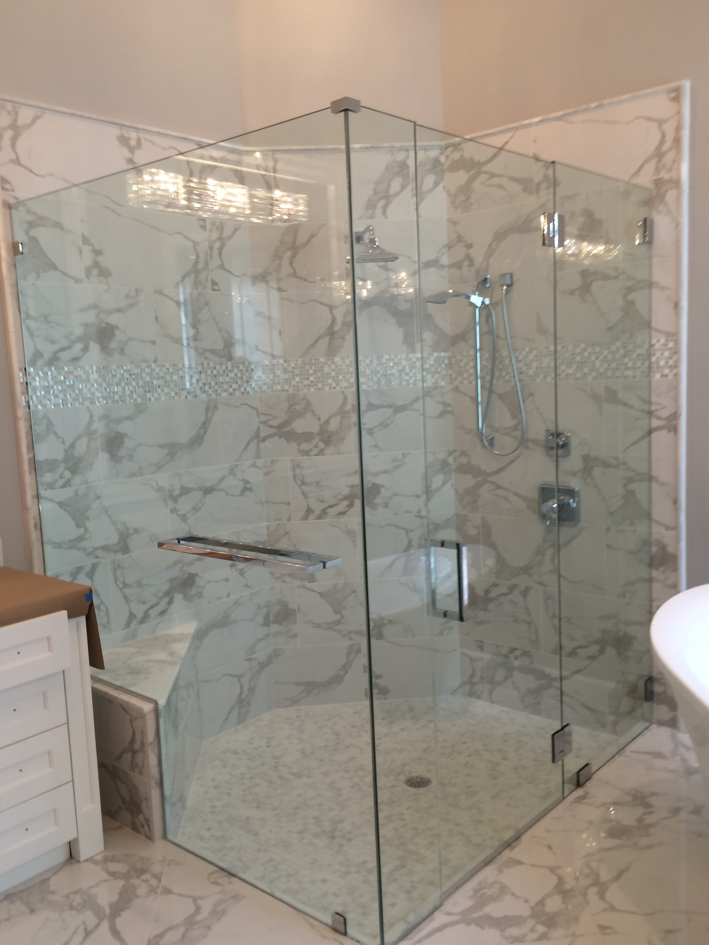 Frameless Glass Shower Door With Towel Bar