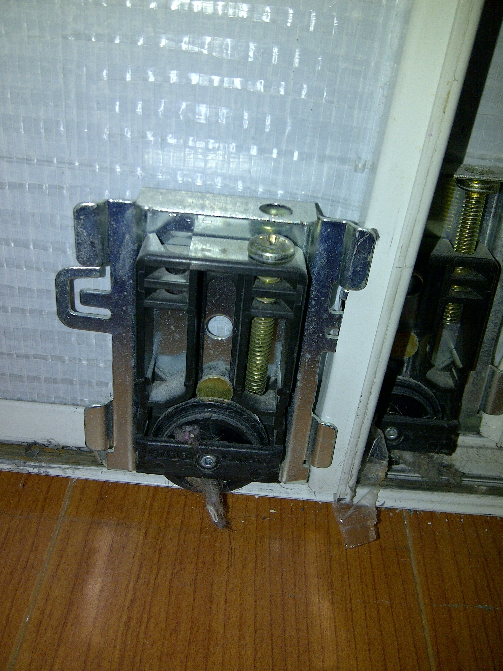 Sliding Mirrored Closet Doors Wheelsmirrors repair replace and install in vancouver bc