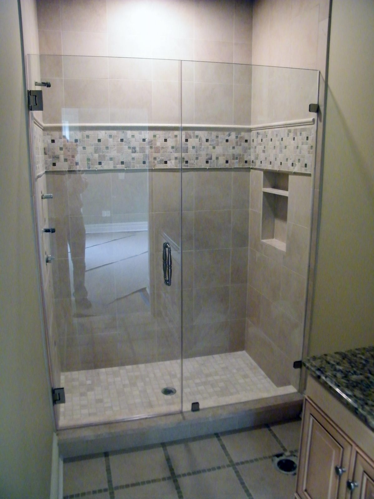 Tile Showers With Sliding Glass Doors