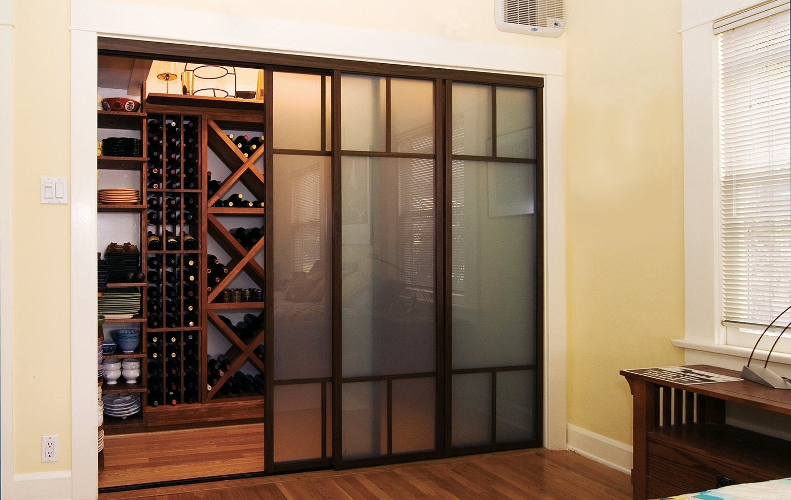 Asian Series Sliding Closet Door With Frosted Glass Insertasian series sliding closet door with frosted glass insert