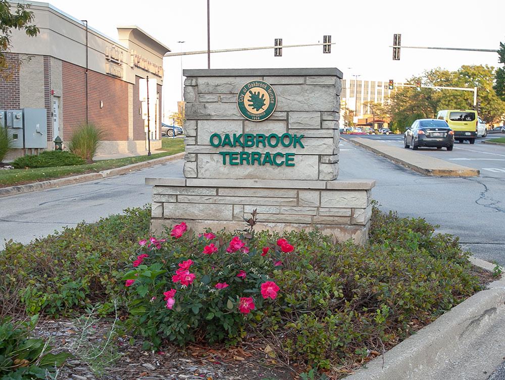 Oakbrook Terrace suburb