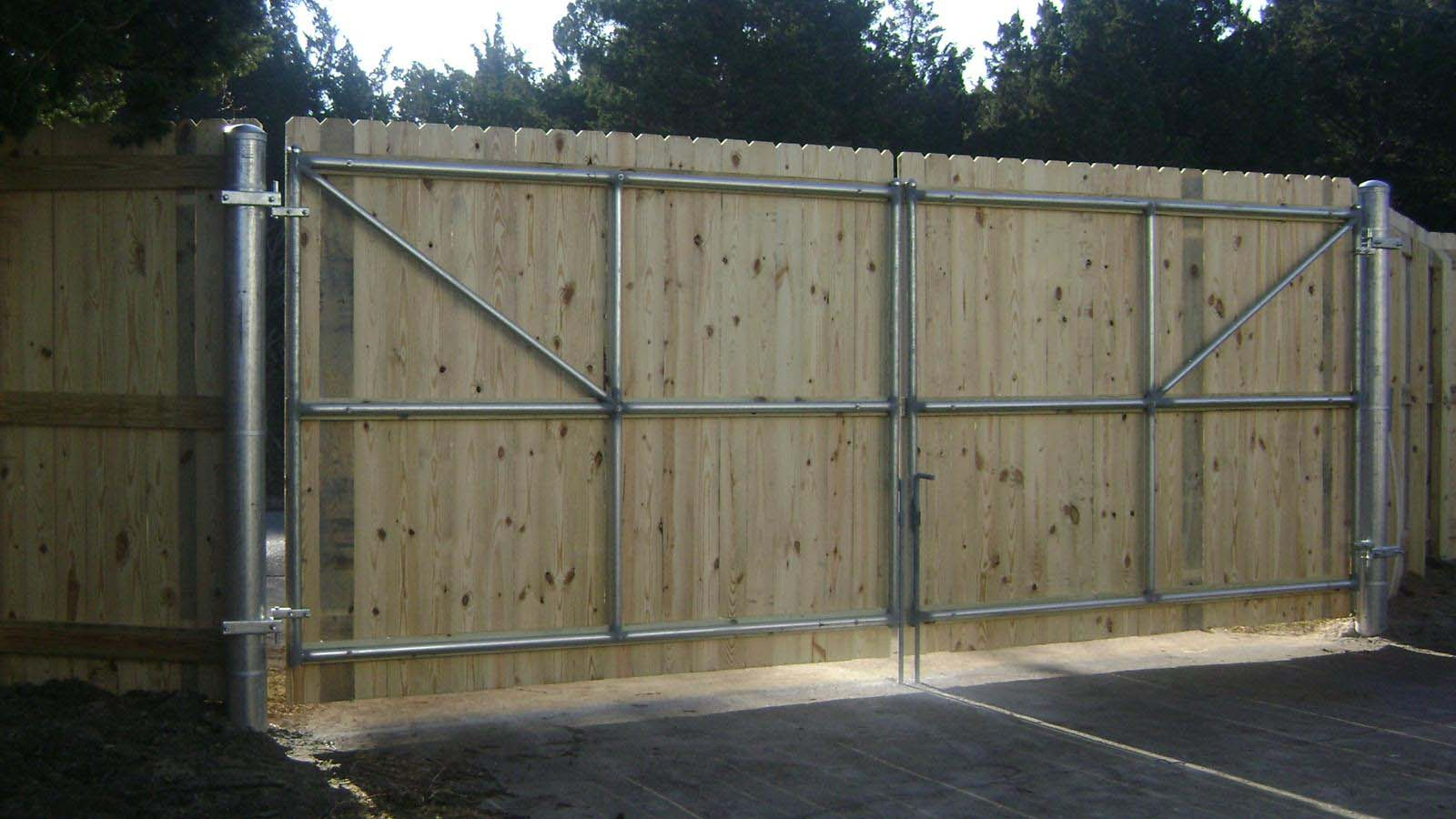 Commercial Wood Fence Fences Unlimited Fences Unlimited pertaining to dimensions 1600 X 900