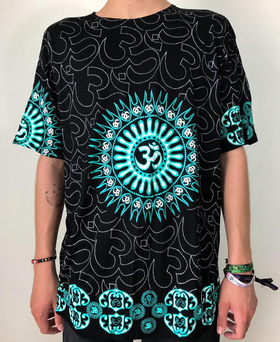 Camiseta Simbolo Om G e GG