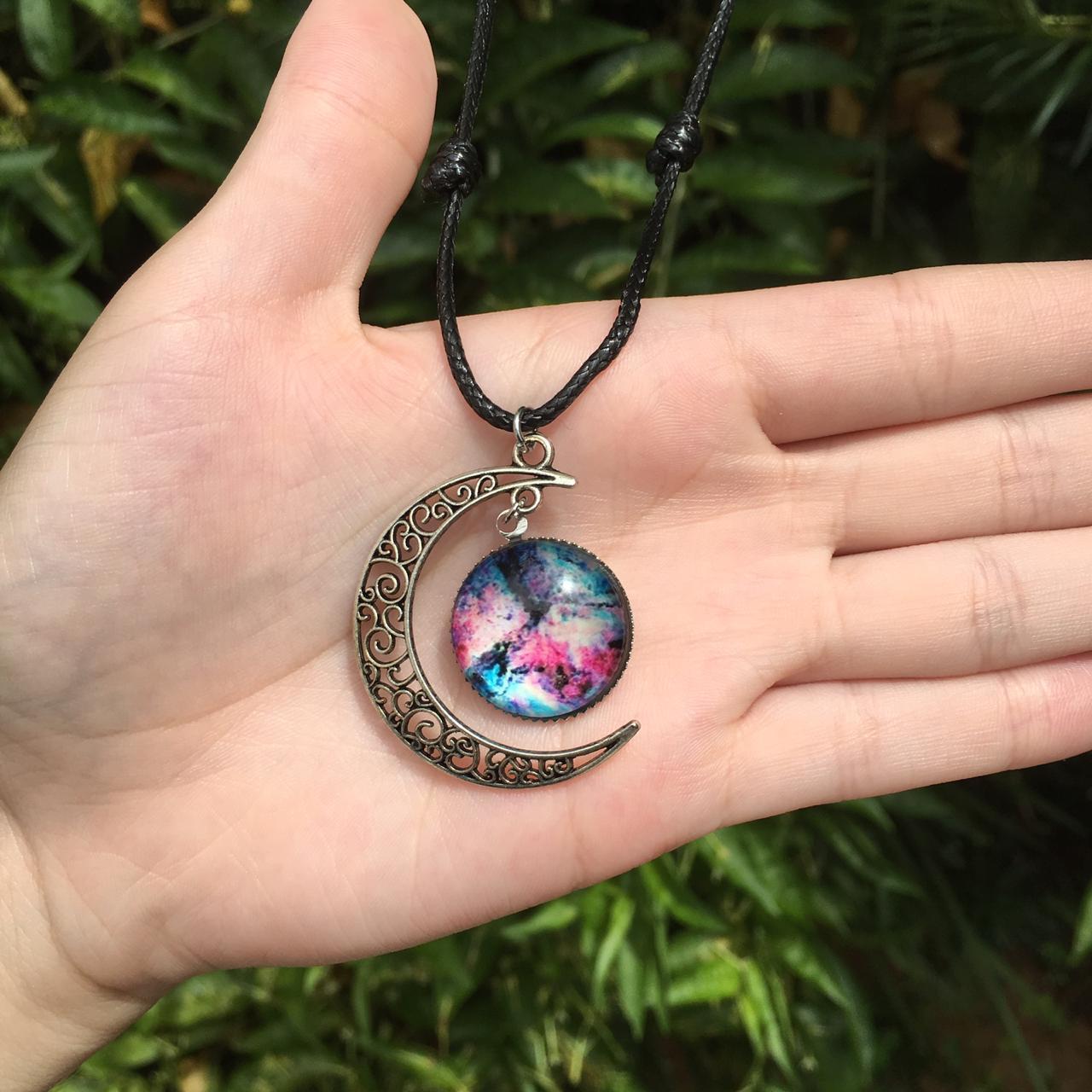 Colar de lua com Galáxia