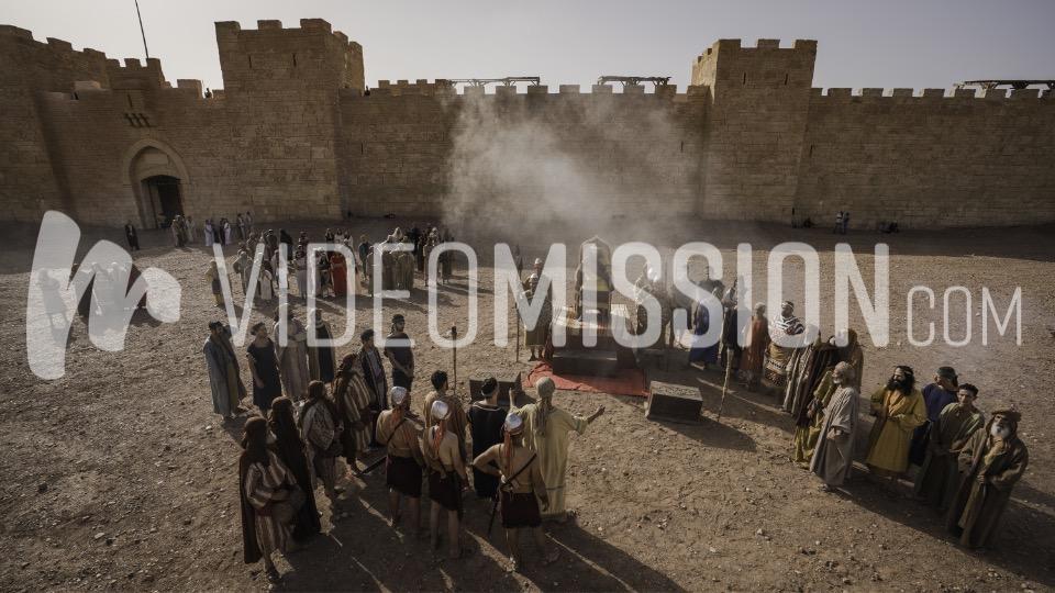 Nebuchadnezzar Orders Daniels 3 Friends Into Firey Furnace 10